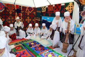 Kazakhstan immagini cartella stampa - Corteo Kazakho per la Pace 1